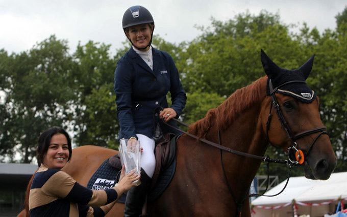 Laura Renwick domina el Concurso para caballos jóvenes de Oquendo